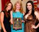 Valley Patriot Doggie Columnist Tracey Zysk Receives National Award from Pet Sitters International (PSI) 2013 Platinum PAW Award